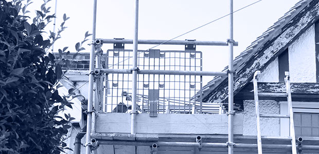 Image of Station Road domestic  scaffolding project top platform corner